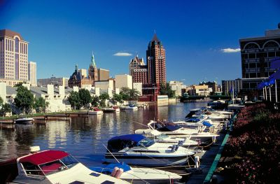 800px-leisure_boating_milwaukee_wisconsin